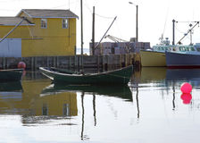 Рыбацкие лодки в северо-западной бухте, Новой Шотландии Стоковое Фото