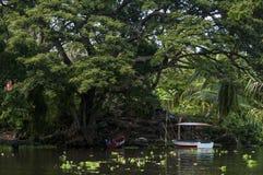 Рыбацкие лодки в Las Isletas, Гранаде, Никарагуа Стоковое Изображение