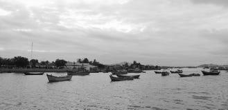 Рыбацкие лодки на море в Khanh Hoa, Вьетнаме Стоковые Фотографии RF
