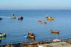 Рыбацкие лодки на море в Phan Thiet, Вьетнаме Стоковые Фотографии RF