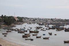 Рыбацкие лодки на океане Стоковая Фотография RF