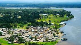 Рыбацкий поселок в Монровии Либерии стоковая фотография rf