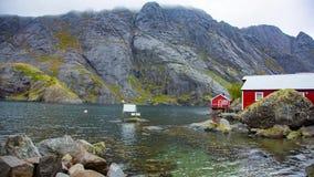 Рыбацкий поселок в островах Lofoten, Норвегии видеоматериал