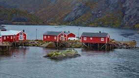 Рыбацкий поселок в островах Lofoten, Норвегии акции видеоматериалы