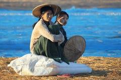 Рыбацкий поселок на зоре - пляж Ngapali - Мьянма (Бирма) Стоковое фото RF