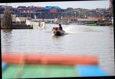 Рыбацкий поселок сока Tonle в Камбодже стоковые изображения