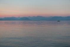 Рыбная ловля захода солнца Стоковые Изображения RF