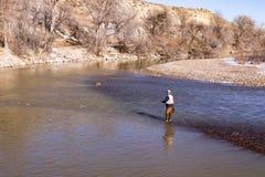 Рыбная ловля мухы осени в реке 1 Стоковые Фотографии RF