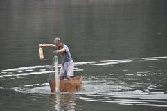 Рыбная ловля сети бросания стоковые фотографии rf