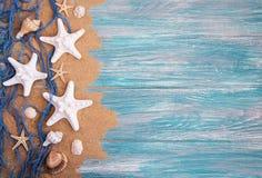 Рыболовная сеть с морскими звёздами стоковое изображение