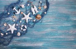 Рыболовная сеть с морскими звёздами стоковое изображение rf