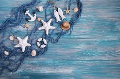 Рыболовная сеть с морскими звёздами стоковая фотография rf