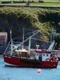 рыболовство cornwall летучей мыши выходя порт Стоковые Фото