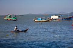 Рыболовы в острове Phu Quoc, Вьетнаме стоковое фото rf