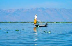 Рыболов на озере Inle, Мьянме Стоковая Фотография RF