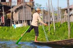 Рыболов озера в действии, Мьянмы Inle Стоковая Фотография RF