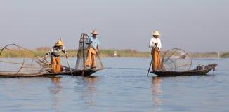 Рыболов озера в действии, Мьянмы Inle Стоковые Изображения