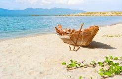 рыболов шлюпки пляжа анкера старый Стоковые Фото