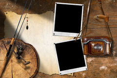 Рыболовные снасти и старая винтажная камера Стоковое фото RF