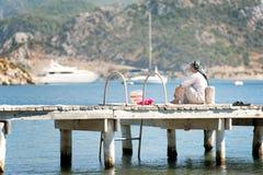 Рыболовство женщины Стоковые Изображения RF