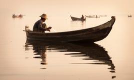 Рыболовы в Мандалае, Мьянме Стоковые Фотографии RF