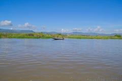 Рыболовы на зоре озера Inle Стоковые Изображения