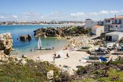 Рыболовы приставают к берегу, Baleal, Peniche, Португалия Стоковые Изображения