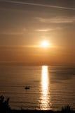 Рыболов Красивый восход солнца над морем в Болгарии Стоковая Фотография RF