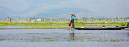 Рыболов на озере Inle, Мьянме Стоковые Изображения