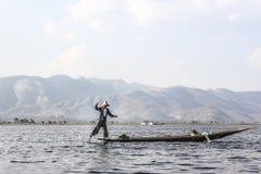Рыболов Legrowing на озере Inle Стоковая Фотография