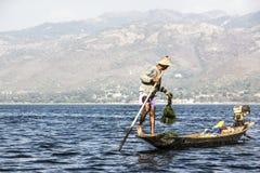 Рыболов Legrowing на озере Inle Стоковые Изображения RF