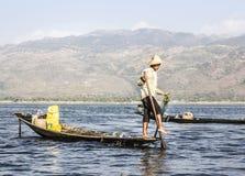 Рыболов Legrowing на озере Inle Стоковое Фото