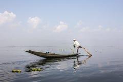 Рыболов Legrowing Стоковые Фотографии RF