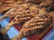 Рыбы зажарили дисплей Стоковое Изображение