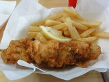 Рыбы и обломоки для обеда стоковое изображение rf