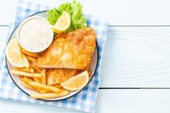 рыбы и обломоки стоковое фото