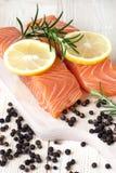 Рыбы красного цвета Salmon стейка Стоковые Изображения RF
