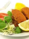 рыбы перстов тарелки крупного плана Стоковые Изображения RF
