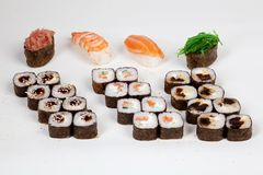Рыбы ресторана еды кренов суш японские вычисляют на белой предпосылке Стоковые Фото