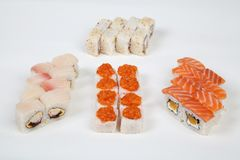 Рыбы ресторана еды кренов суш японские вычисляют на белой предпосылке Стоковое Фото