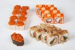 Рыбы ресторана еды кренов суш японские вычисляют на белой предпосылке Стоковое фото RF