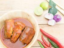 Рыбы сардин в томатном соусе Стоковая Фотография