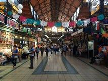 Рынок Будапешта в полдень стоковое изображение