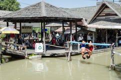 Рынок воды бокса плавая Стоковая Фотография RF