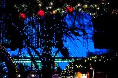 Рынок в декабре Рождественская ярмарка ` s Эдинбурга, принцы Улица Ga стоковая фотография