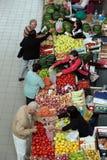 РЫНОК ЕВРОПЫ БАЛКАНСКИЙ ЧЕРНОГОРИИ ПОДГОРИЦЫ стоковые фото