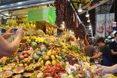 Рынок еды в Барселоне. Стоковое Фото