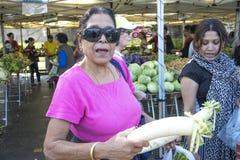 Рынок местных фермеров - передовица стоковые фотографии rf