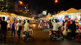 Рынок на ноче - Хошимин Бен Thanh (Сайгон) Вьетнам сток-видео