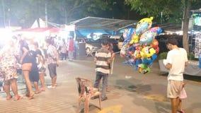 Рынок ночи в thani pathum, Таиланде акции видеоматериалы